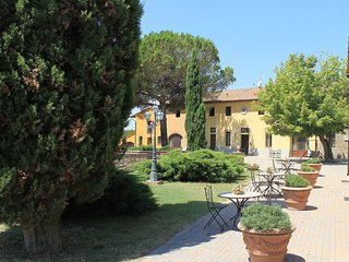 2 bedroom Apartment in Capraia e Limite, Tuscany, Italy : ref 5515454