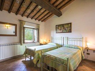 2 bedroom Apartment in Capraia e Limite, Tuscany, Italy - 5515460