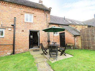 CHURCH FARM COTTAGE, pet friendly, character holiday cottage, with a garden in E