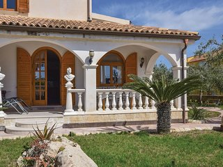 3 bedroom Villa in Fondo Morte, Sicily, Italy : ref 5545463
