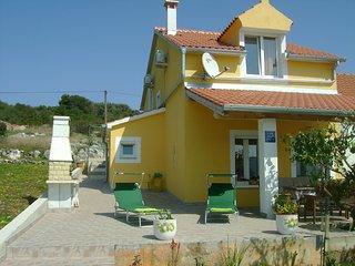 2 bedroom Apartment in Brgulje, Zadarska Zupanija, Croatia : ref 5554586