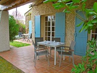 3 bedroom Villa in Chateaurenard, Provence-Alpes-Cote d'Azur, France : ref 55694