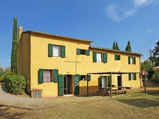 4 bedroom Apartment in Palaia, Tuscany, Italy : ref 5447293