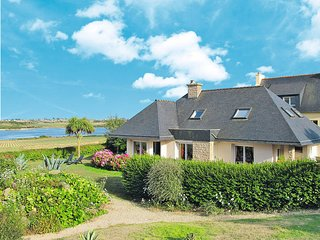 5 bedroom Villa in Sibiril, Brittany, France : ref 5438392