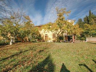 4 bedroom Villa in Borgo San Lorenzo, Tuscany, Italy : ref 5576715