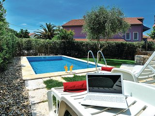 2 bedroom Apartment in Soric, Zadarska Županija, Croatia - 5563877
