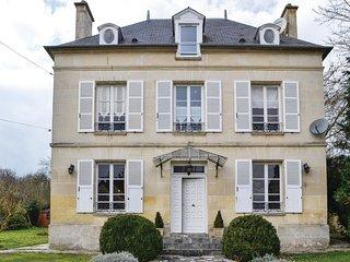 5 bedroom Villa in Cires-lès-Mello, Hauts-de-France, France : ref 5532876