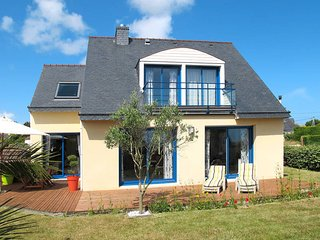 3 bedroom Villa in Plouneour-Trez, Brittany, France : ref 5438342