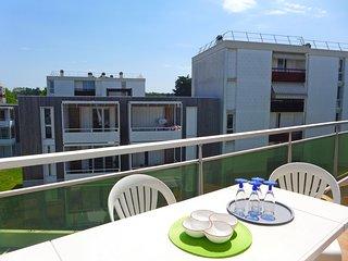 2 bedroom Apartment in Biarritz, Nouvelle-Aquitaine, France : ref 5515498
