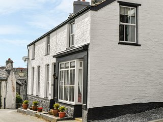 ARWEL, woodburner, fantastic location, en-suite facilities, in Capel Garmon