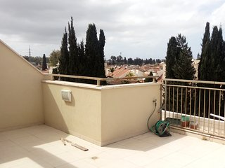 Big Duplex apartment: 3BR with Balcony and Rooftop Terrace