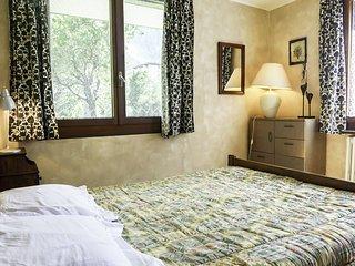 2 bedroom Apartment in Chamonix, Auvergne-Rhône-Alpes, France : ref 5517170