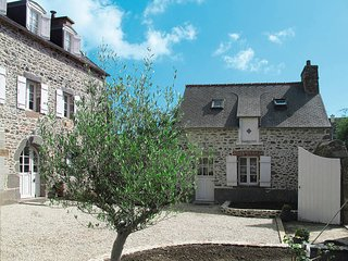 4 bedroom Villa in Étables-sur-Mer, Brittany, France : ref 5436244