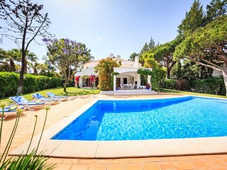 4 bedroom Villa in Quinta do Lago, Faro, Portugal : ref 5480106