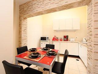 2 bedroom Villa in Portimão, Faro, Portugal : ref 5518584