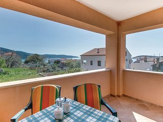 2 bedroom Apartment in Martinscica, Primorsko-Goranska Zupanija, Croatia : ref 5