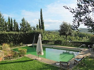 3 bedroom Apartment in Badia a Passignano, Tuscany, Italy : ref 5446903