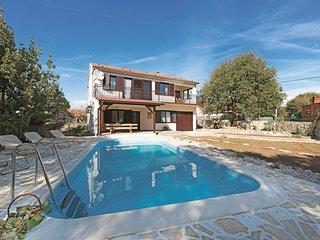 3 bedroom Villa in Oklaj, Šibensko-Kninska Županija, Croatia : ref 5550064