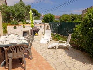 2 bedroom Apartment in Les Lecques, Provence-Alpes-Cote d'Azur, France : ref 554
