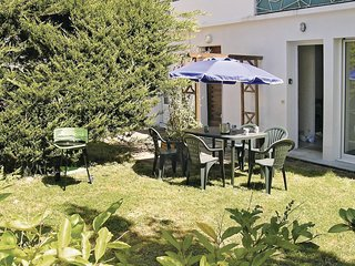 3 bedroom Apartment in Royan, Nouvelle-Aquitaine, France : ref 5522141
