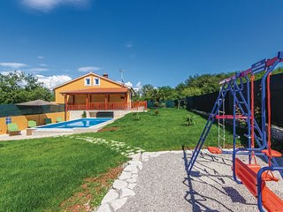 3 bedroom Apartment in Rakotule, Istria, Croatia : ref 5564121