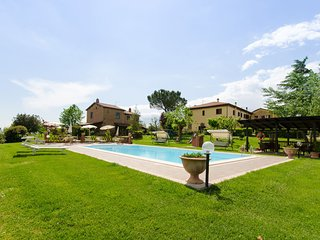 2 bedroom Apartment in Sant'Anastasio, Tuscany, Italy : ref 5490352