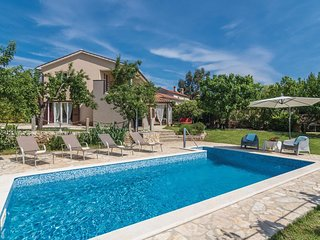 2 bedroom Villa in Santalezi, Istria, Croatia : ref 5520327