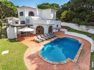 4 bedroom Villa in Vale do Lobo, Faro, Portugal : ref 5433304