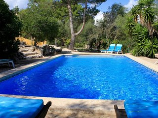 House with pool in Arta – vac02