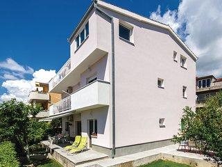 3 bedroom Apartment in Kaštel Novi, Splitsko-Dalmatinska Županija, Croatia : ref