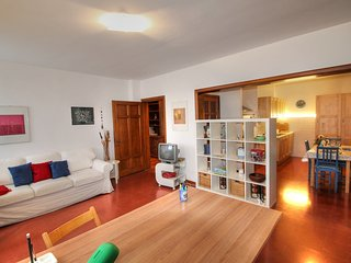 2 bedroom Apartment in Florence, Tuscany, Italy : ref 5519006