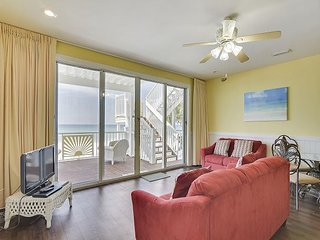 4 Bed/4 Bath~Large Beach home on the Gulf! ~Perfect Luxury Summer Rental!