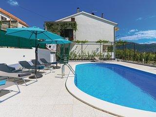 3 bedroom Apartment in Gata, Splitsko-Dalmatinska Županija, Croatia : ref 557470