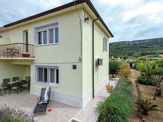 3 bedroom Villa in Jelsa, Splitsko-Dalmatinska Zupanija, Croatia : ref 5562529
