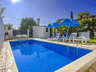 2 bedroom Villa in Porec, Istarska Zupanija, Croatia : ref 5426341