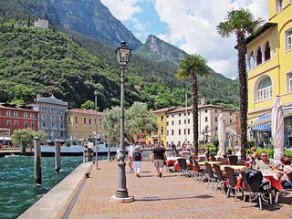 1 bedroom Apartment in Riva del Garda, Trentino-Alto Adige, Italy : ref 5438797