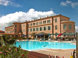 1 bedroom Apartment in Tirrenia, Tuscany, Italy : ref 5513264