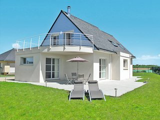 3 bedroom Villa in Plounévez-Lochrist, Brittany, France : ref 5438184