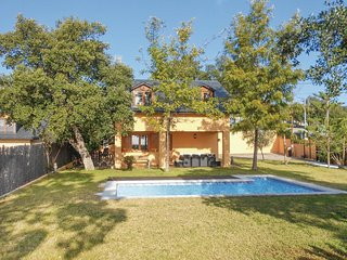4 bedroom Villa in Hortsavinya, Catalonia, Spain : ref 5579484