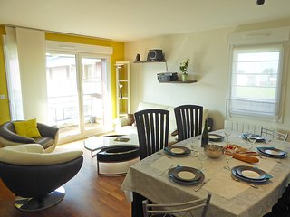 3 bedroom Apartment in Le Petit Paramé, Brittany, France : ref 5569734