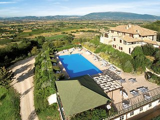 2 bedroom Apartment in I Barbini, Umbria, Italy : ref 5610715