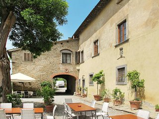 3 bedroom Apartment in San Polo in Chianti, Tuscany, Italy : ref 5446899