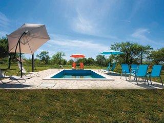 3 bedroom Villa in Kaocine, Sibensko-Kninska Zupanija, Croatia : ref 5562681