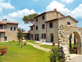 2 bedroom Apartment in Le Casine-Perignano-Spinelli, Tuscany, Italy : ref 549036