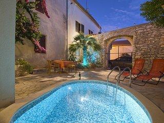 2 bedroom Apartment in Medulin, Istria, Croatia : ref 5505804