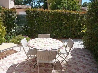 1 bedroom Apartment in Les Lecques, Provence-Alpes-Cote d'Azur, France : ref 555