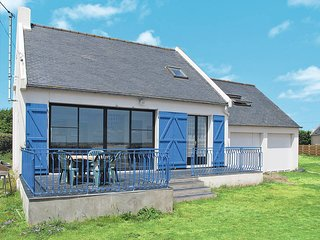 3 bedroom Villa in Plouneour-Trez, Brittany, France : ref 5438341