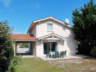 3 bedroom Villa in Biscarrosse-Plage, Nouvelle-Aquitaine, France : ref 5434814