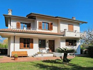 3 bedroom Villa in Marina di Carrara, Tuscany, Italy : ref 5447705