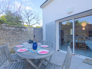3 bedroom Villa in Saint-Pierre-Quiberon, Brittany, France : ref 5541786